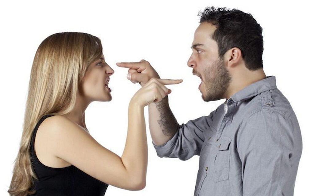 ¿A qué distancia afecta una conversación ajena a tu espacio personal?