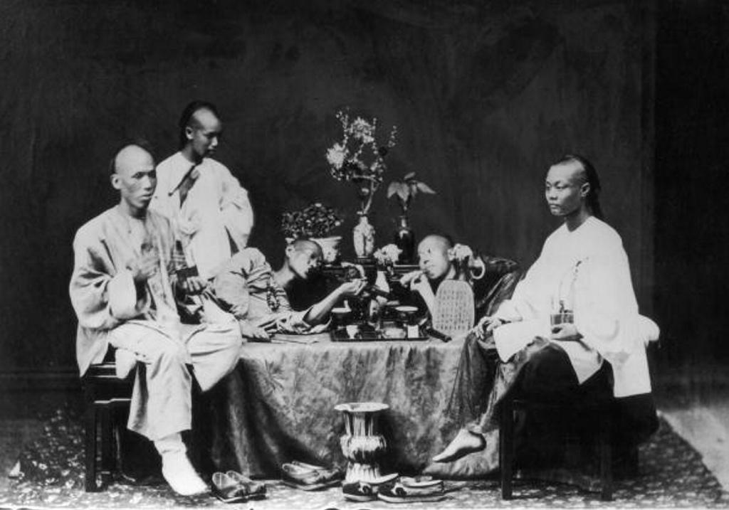 Así eran los fumaderos de opio