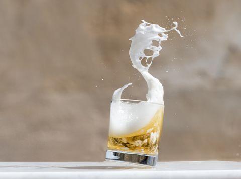 Cerveza con helio: ¿realmente es posible?