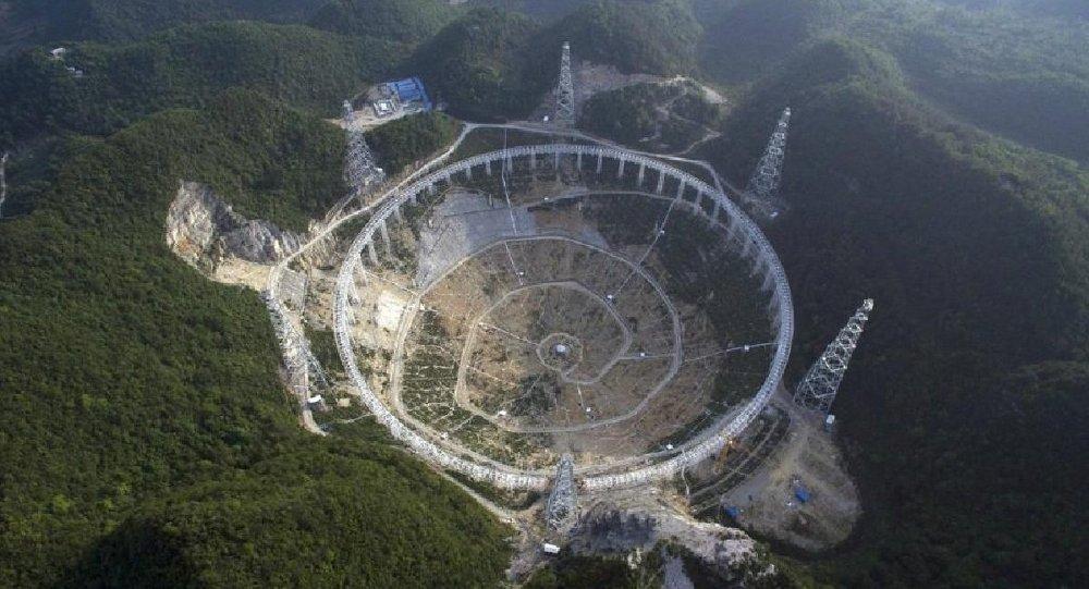 China decide desalojar a 9.000 personas para buscar extraterrestres