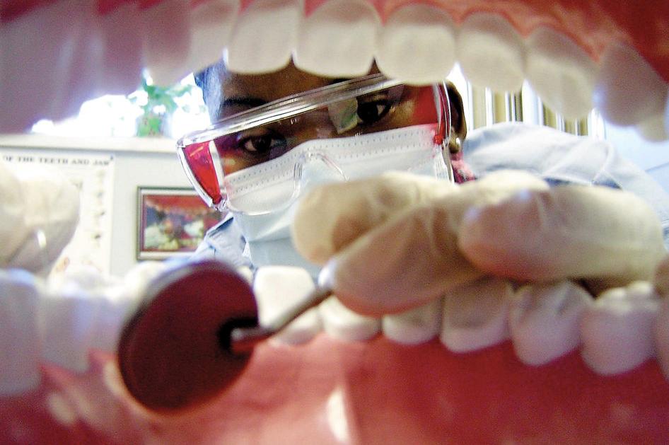 ¿Cirugía dental sin bisturí? Ya es posible