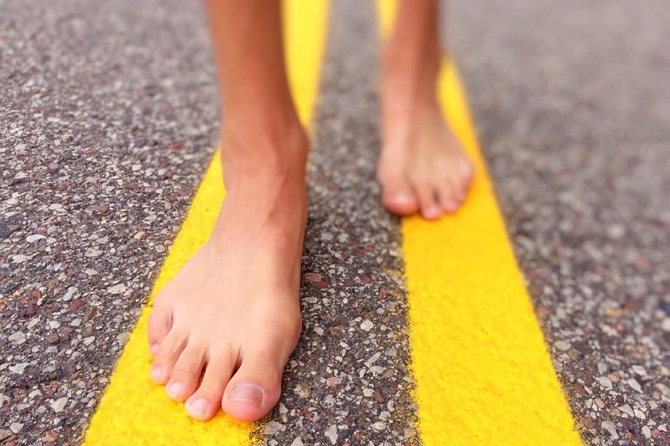 ¿Cómo correr mejor? Quítate las zapatillas