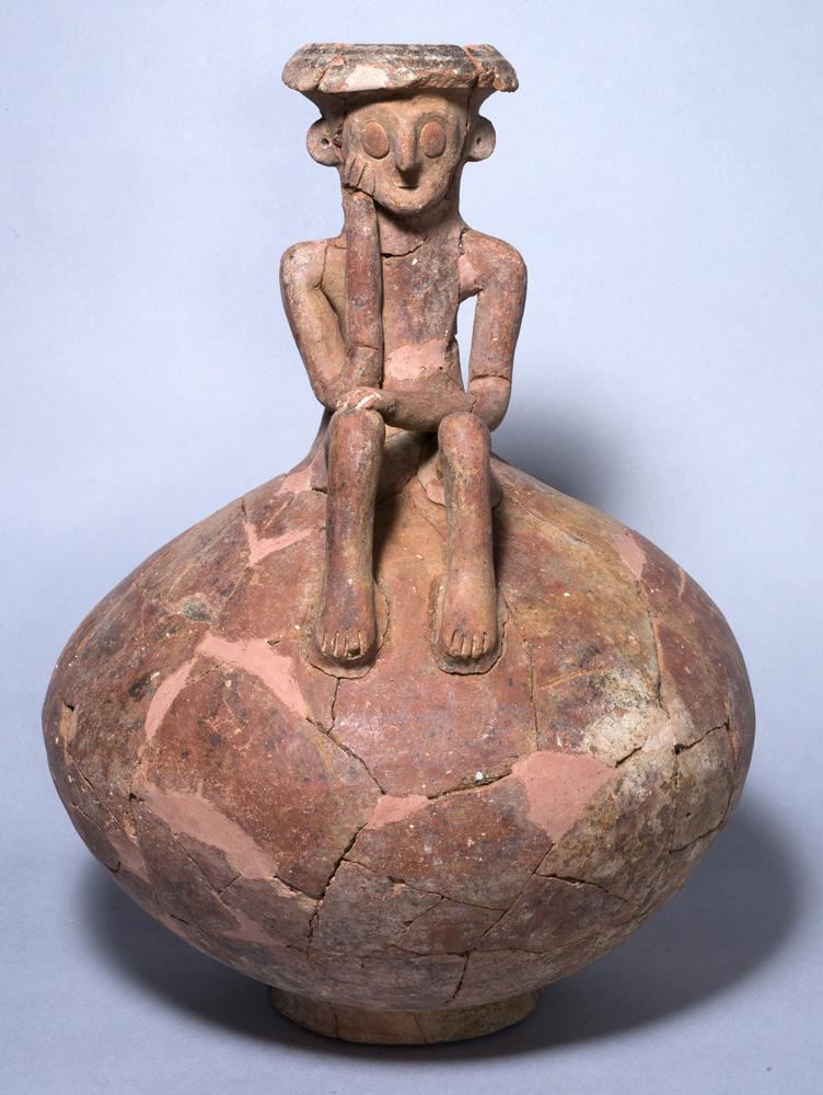 Curiosa escultura de un pensador encontrada en Israel