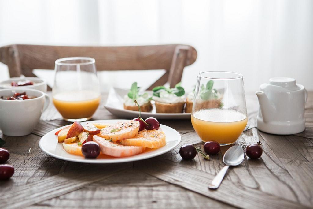 Desayunar más tarde puede ayudarte a perder peso