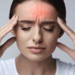 Descubren la posible causa de por qué las migrañas afectan más a las mujeres