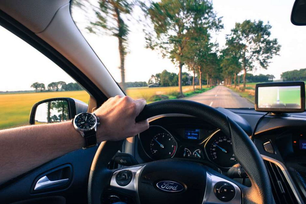 Descubren por qué da sueño conducir