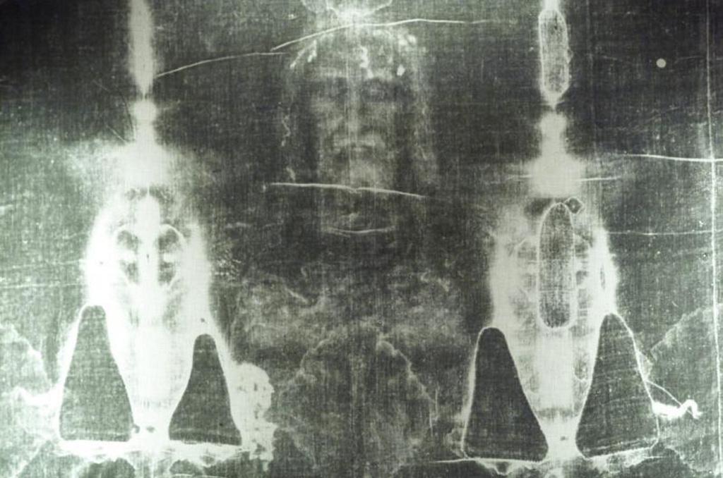 Descubren restos de sangre humana en la Sábana Santa