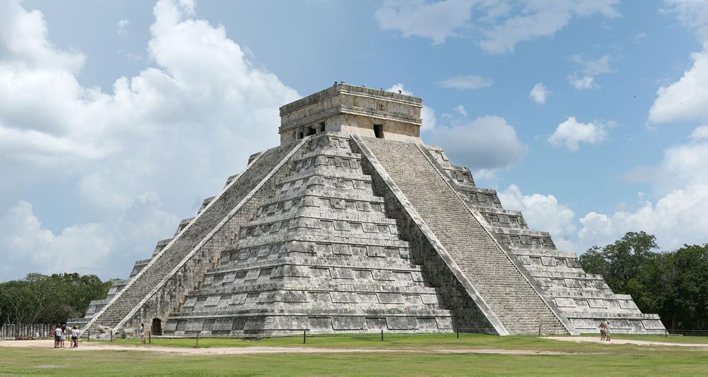 Descubren un túnel maya que conducía al inframundo