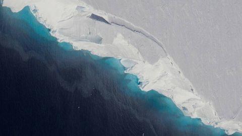 Descubren una gigantesca cavidad en el interior de la Antártida