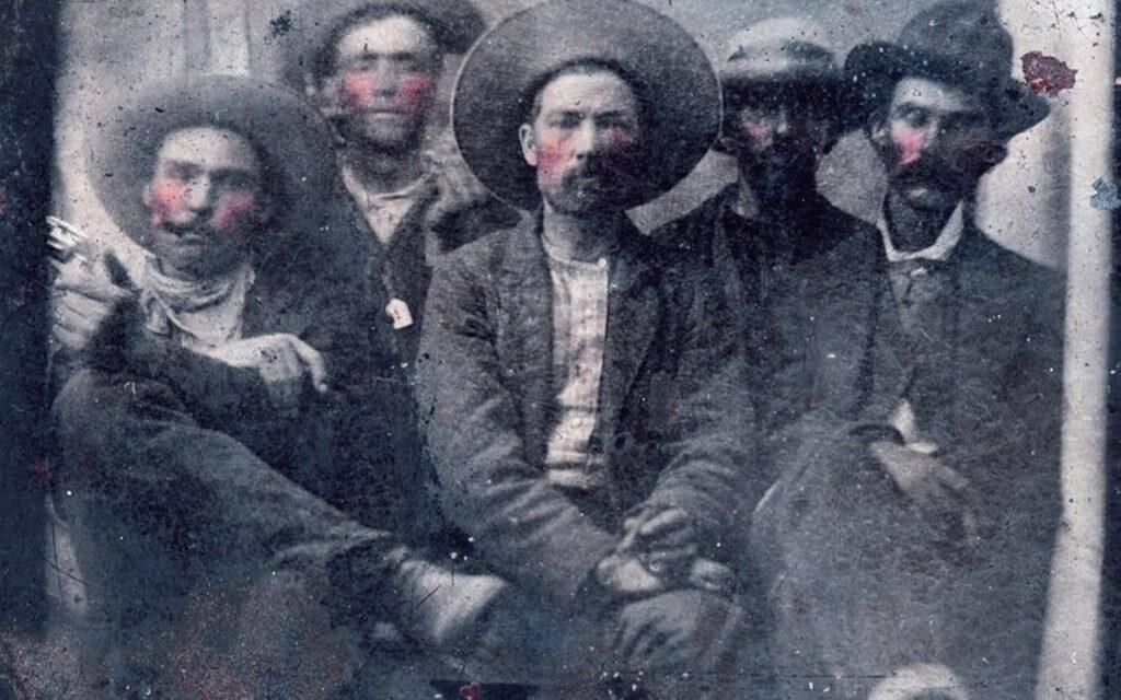 Descubren una foto de Billy el Niño y el sheriff Pat Garrett