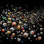 ¿Dónde acaban los balones que ya no sirven? Muchos de ellos, en el fondo del mar…