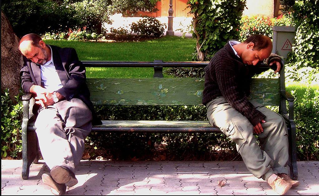 Dormir mal provoca aislamiento social