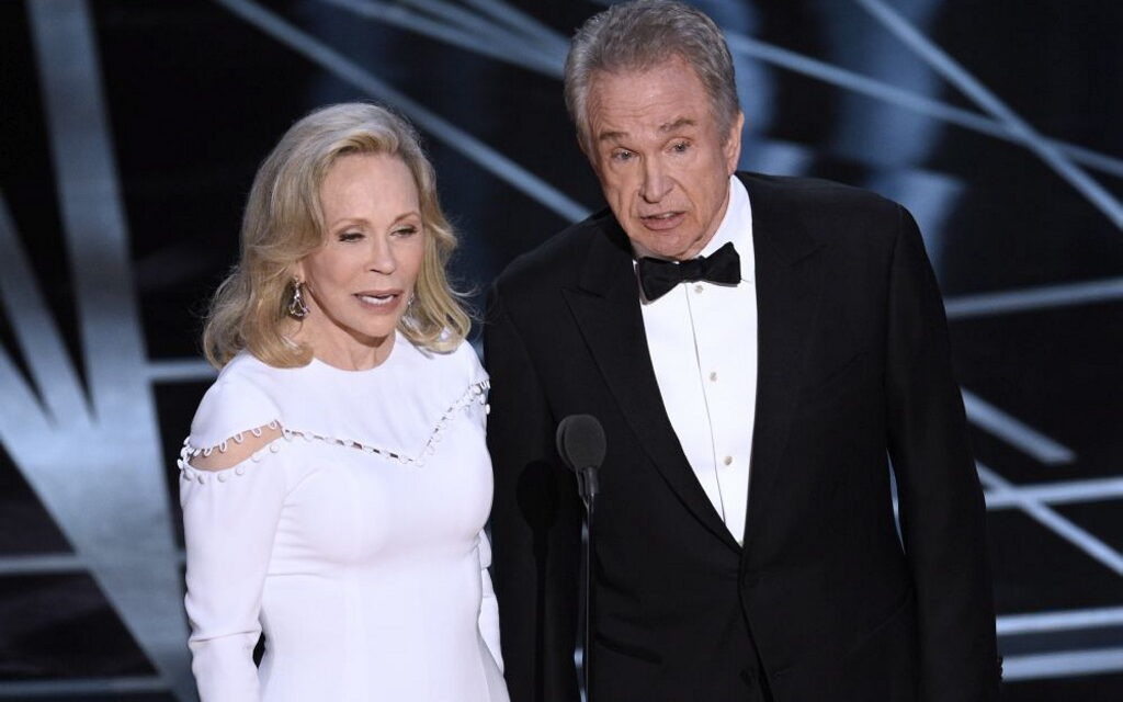 El error de La La Land y otras meteduras de pata al entregar premios
