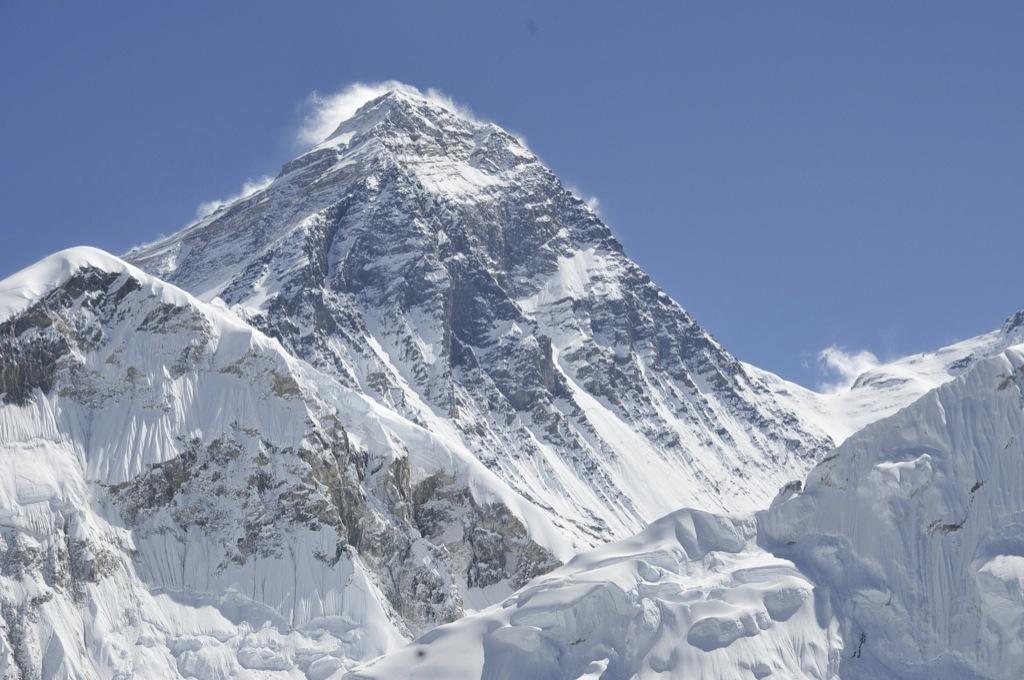 El Everest se ha movido 3 cm
