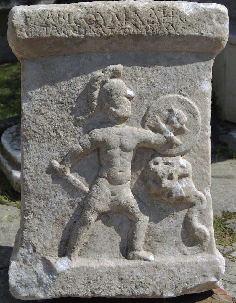 El hijo de Hércules luchando contra una hydra