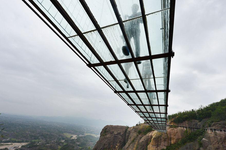 El puente de cristal más grande del mundo