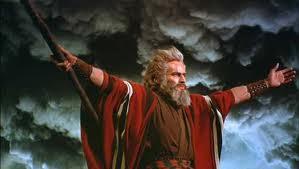 El viento ayudó a Moisés