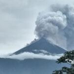 El Volcán de Fuego, el más activo de Centroamérica, ha vuelto a entrar en erupción