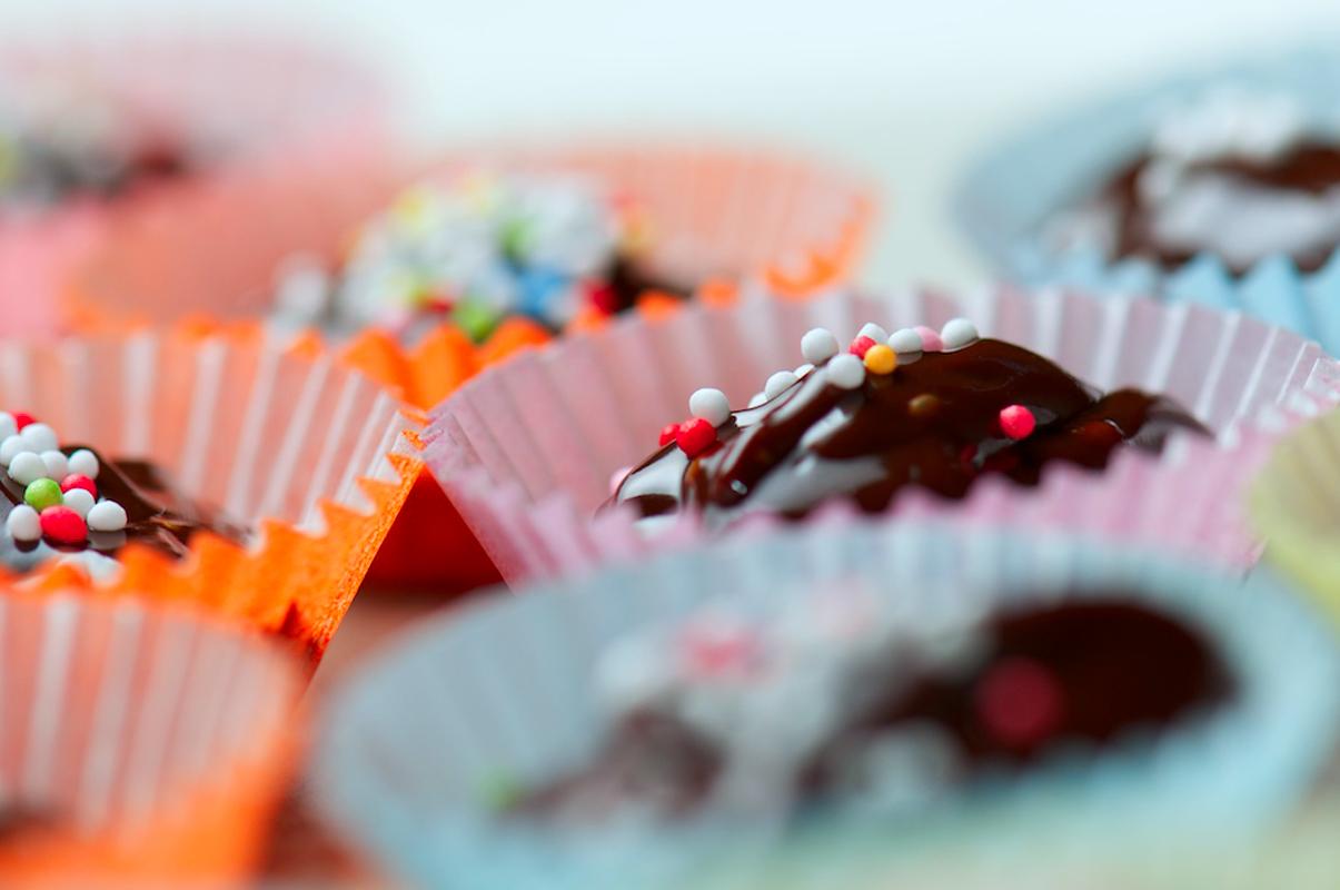 ¿Es verdad que comer chocolate provoca acné?