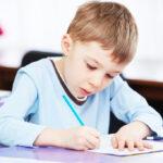 ¿Están olvidando los niños cómo se coge un lápiz?