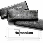 Este reloj está fabricado con Humanium… el metal obtenido del reciclaje de armas de fuego