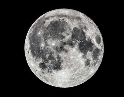 ¿Cuál es la temperatura interior de la Luna?