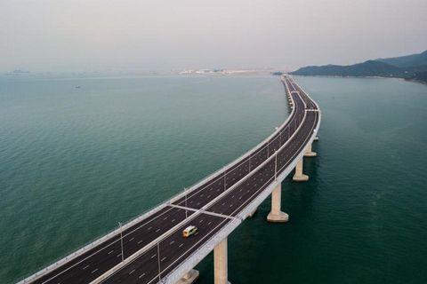 China inaugura el puente marítimo más grande del mundo