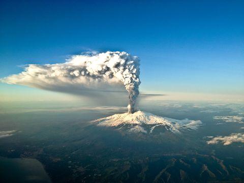 Alertan de que el Etna podría provocar un tsunami devastador