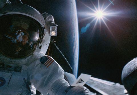 Viajar al espacio cambia el volumen del cerebro