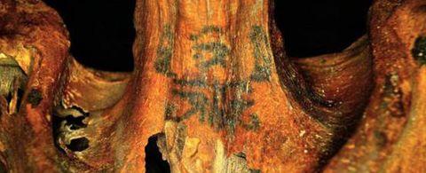 Este torso tatuado pudo pertenecer a una bruja egipcia