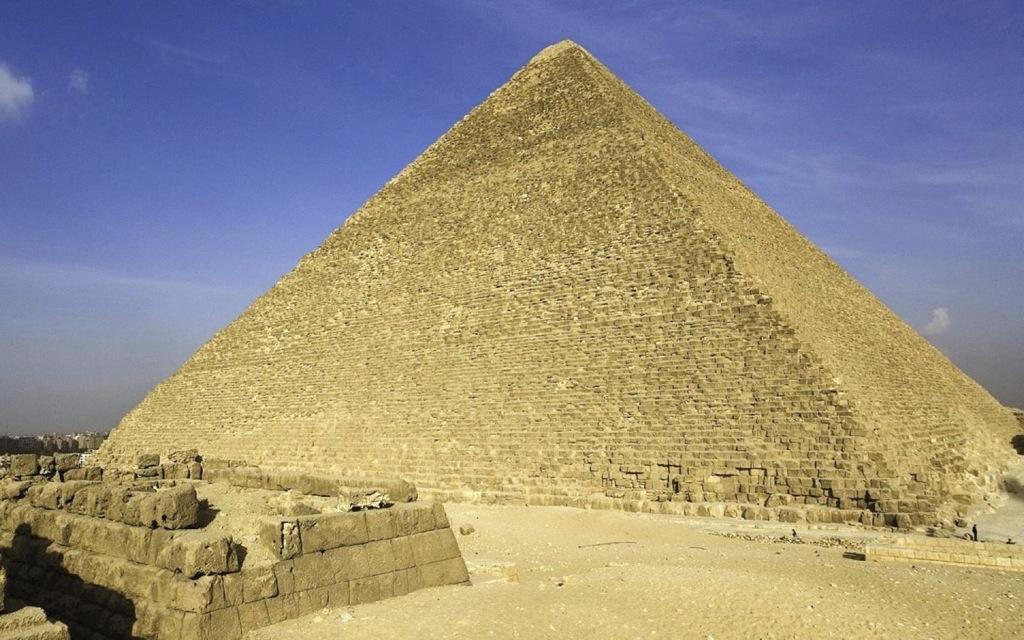 La gran pirámide de Giza está «mal construída»