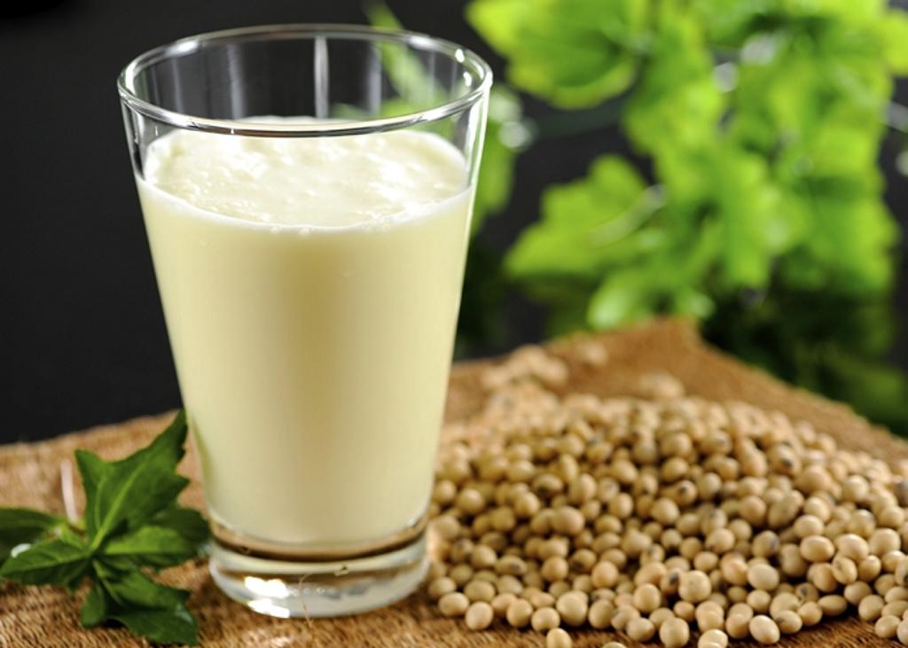 La Unión Europea decreta que la leche de soja ya no es leche