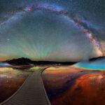 La vía Láctea sobre el Parque Nacional Yellowstone