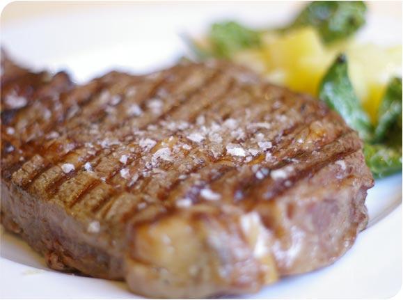 ¿Por qué la carne sabe tan, tan bien?