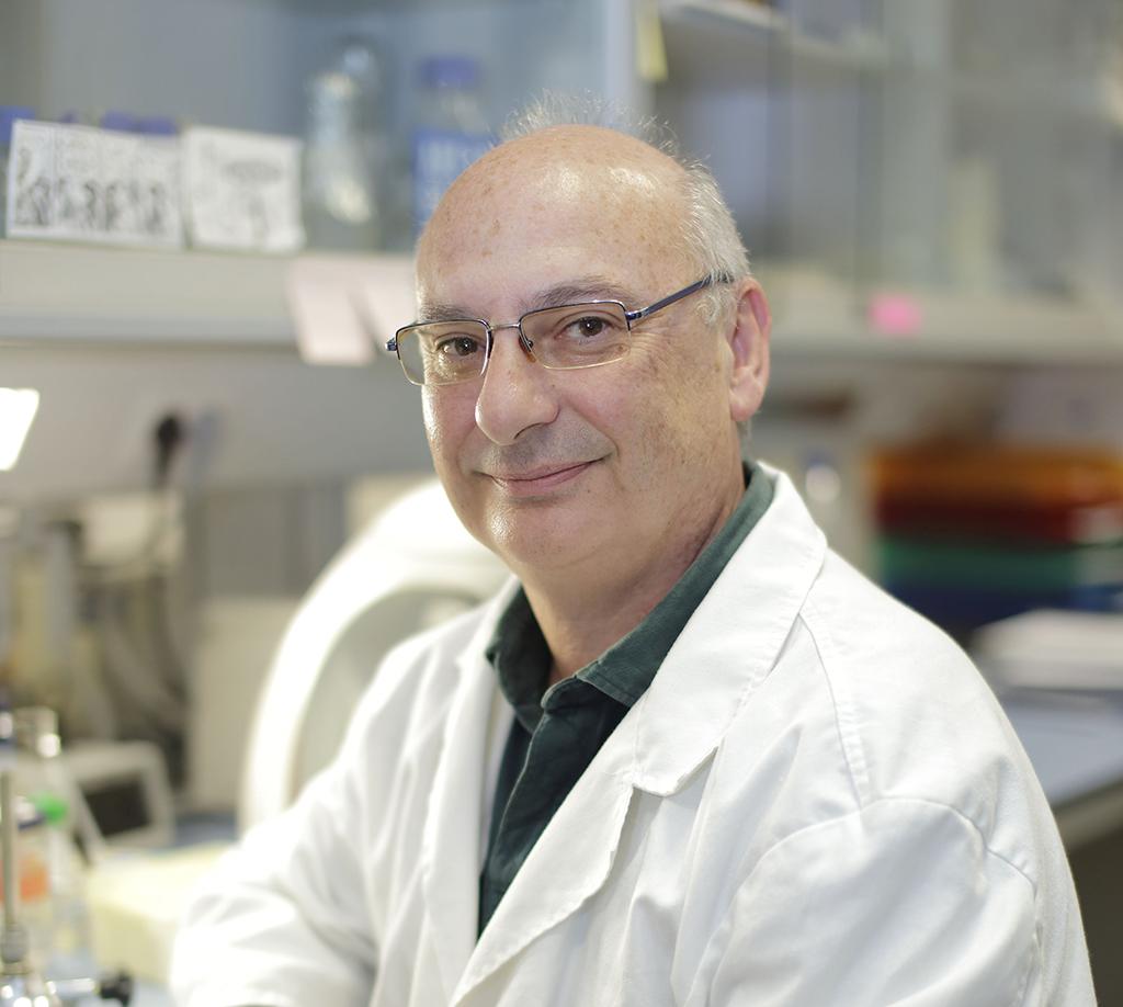 Premio a Francisco Mojica y su tijera de ADN