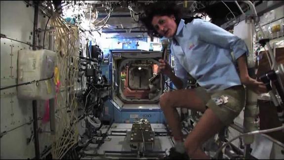 Primer triatlón en el espacio