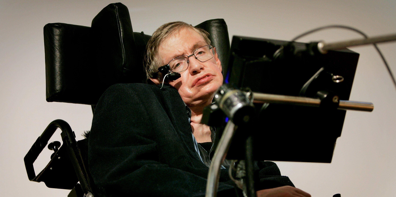 Stephen Hawking advierte: «En un futuro, los 'superhumanos' acabarán con la humanidad»