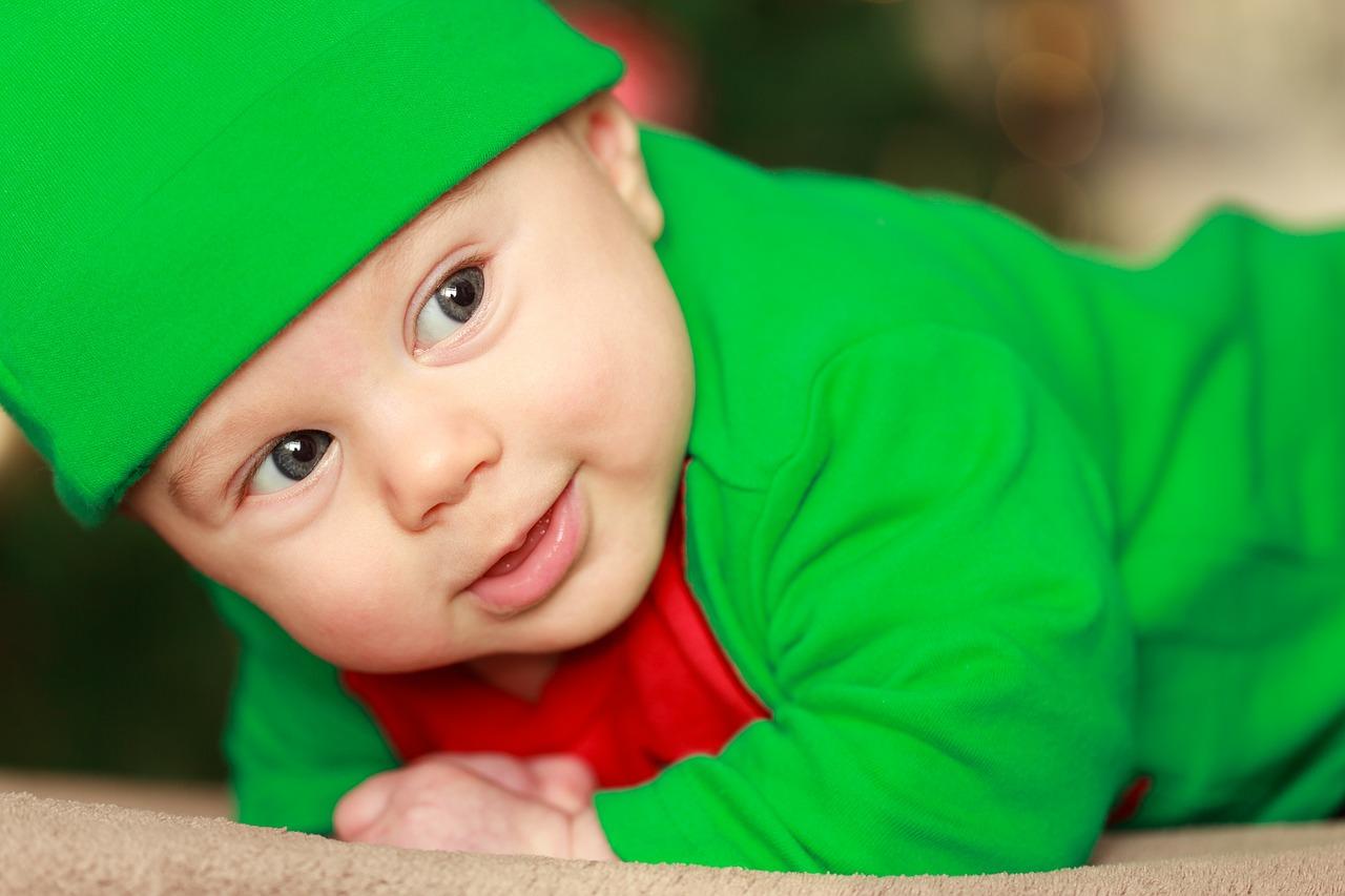 ¿Qué tienen que ver las heces de los bebés con su inteligencia?