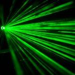 ¿Quieres lanzar rayos láser desde tus ojos? Con estas lentillas podrás hacerlo