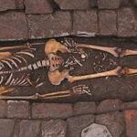 Resuelven el misterio de una mujer medieval que dio a luz en un ataúd