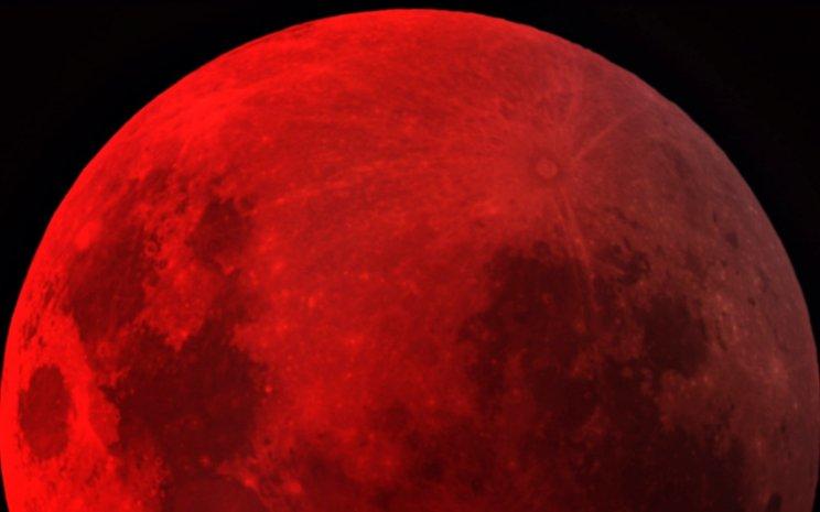 Todos los secretos sobre luna de sangre