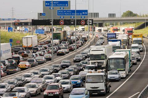 ¿Que pasaría si hackean todos los coches autónomos de una ciudad?