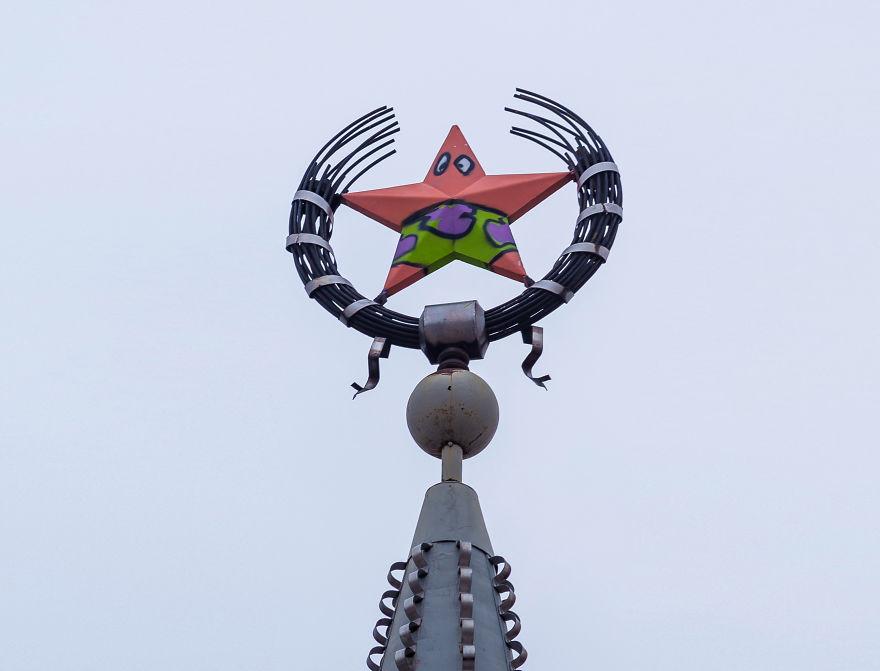 Trollean una estrella soviética para que se parezca a un personaje de Bob Esponja