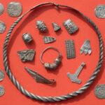 Un niño descubre un fabuloso tesoro vikingo