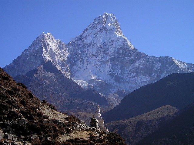 El Everest se ve desde Katmandú por primera vez en décadas