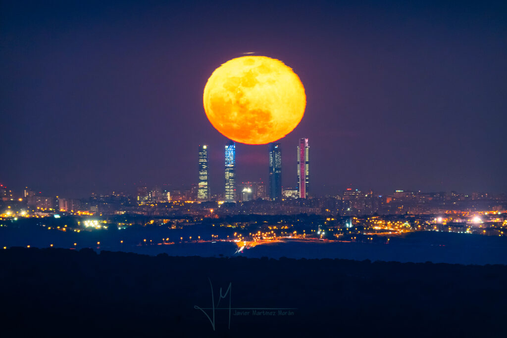 luna sobre madrid