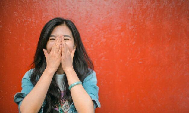 Reírse reduce el estrés, aunque no te rías muy fuerte