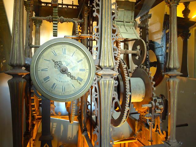 reloj torre giralda